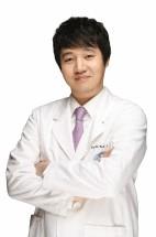 李成龙(韩)