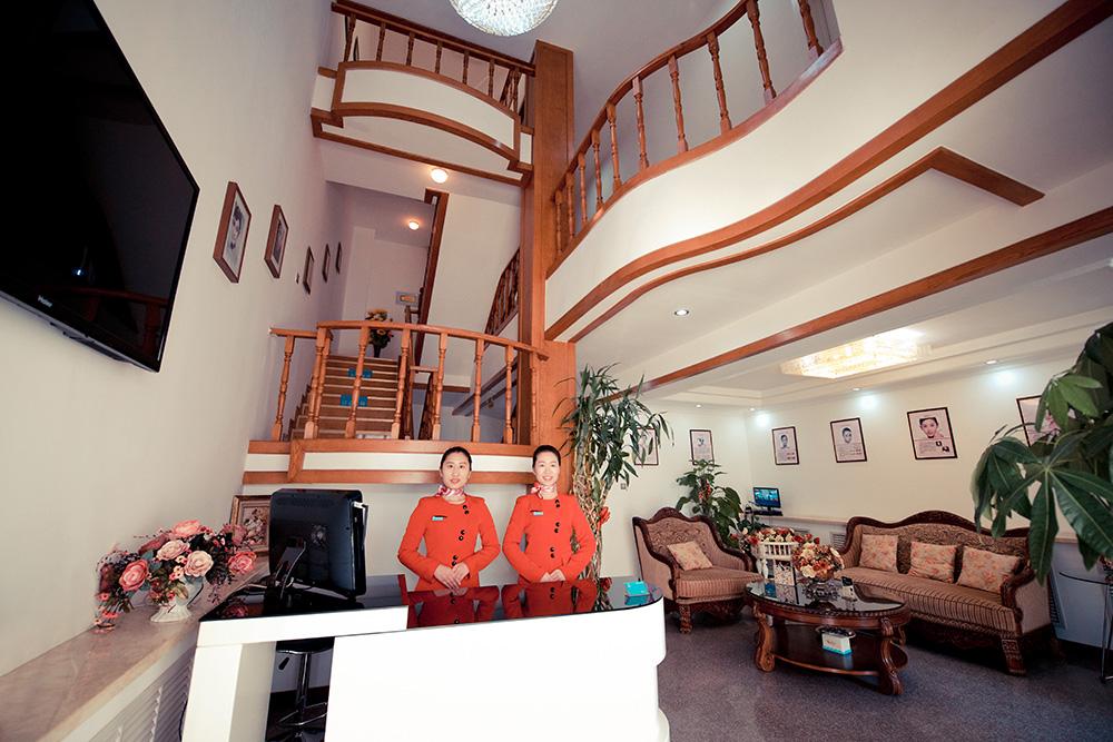 家居 楼梯 起居室 设计 装修 1000_667