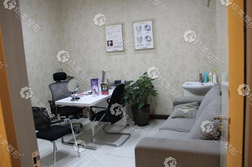 杭州时光整形医院专家咨询室
