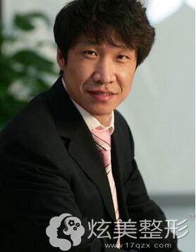 上海原辰整形:口腔专家—王博