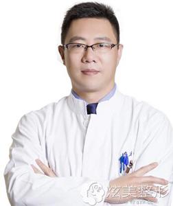 上海市东方医院整形美容中心岳伟专家