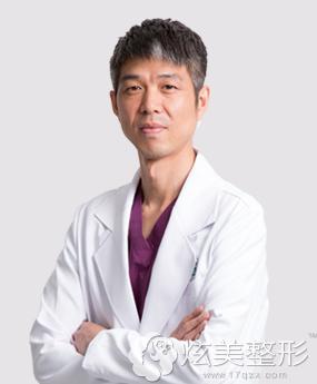 擅长牙齿矫正的北京维尔口腔医院专家赵凤闻