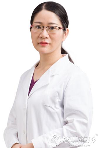 擅长注射隆鼻的广州新时代专家吕娟