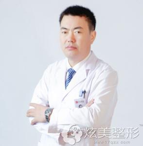 专注双眼皮的西宁韩美专家刘广志