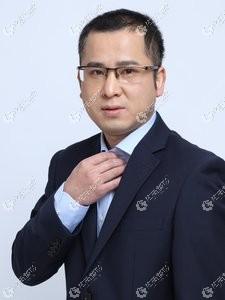 武汉亚韩整形医生王向阳