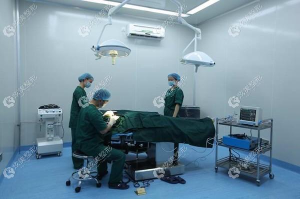 襄阳华美医疗美容门诊部襄阳华美医疗美容门诊部手术室