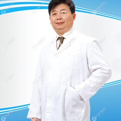 擅长吸脂手术的王志军医生