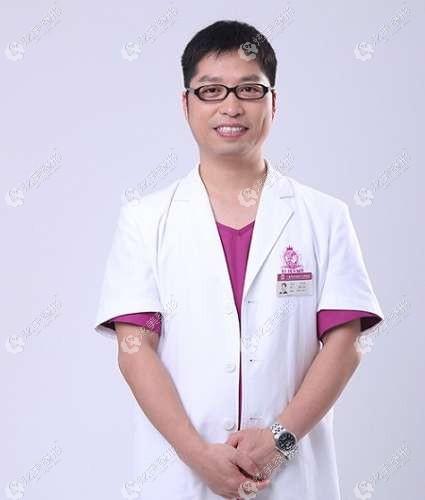 将要坐诊威海佳医的叶怀挺医生