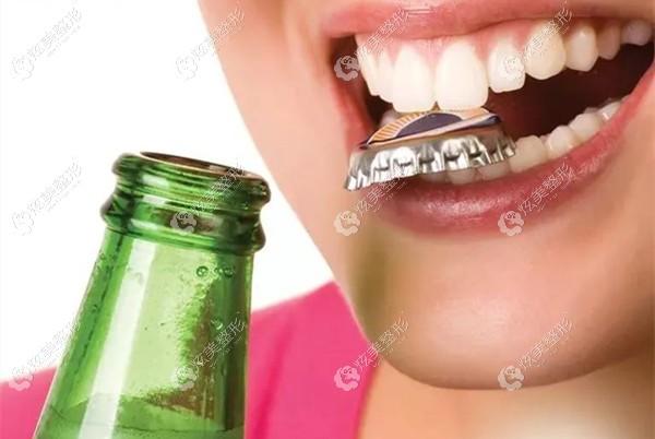 戴完牙套后不能咬硬的东西